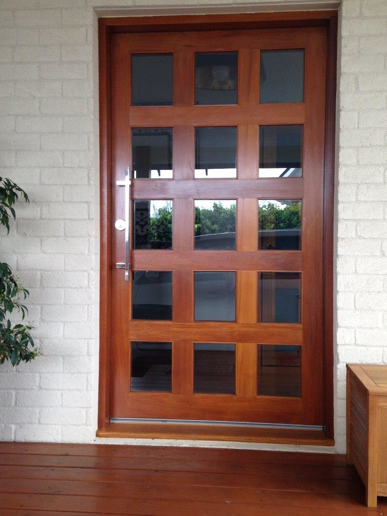 Front entry door frame + pivot door